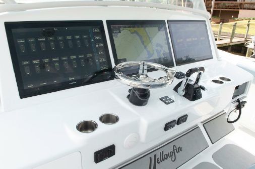 Yellowfin 54 Offshore image