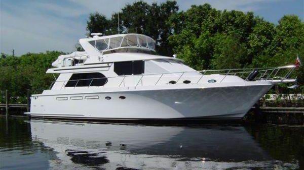 Ocean Alexander 548 Sport Sedan 55' Ocean Alexander starboard forward profile