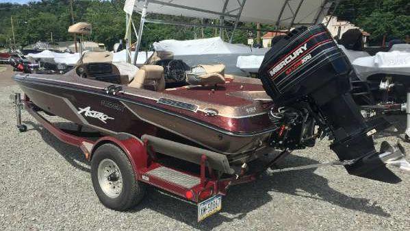 Astro Boats 18 DCX