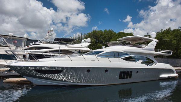 Azimut 70 Flybridge Motor Yacht