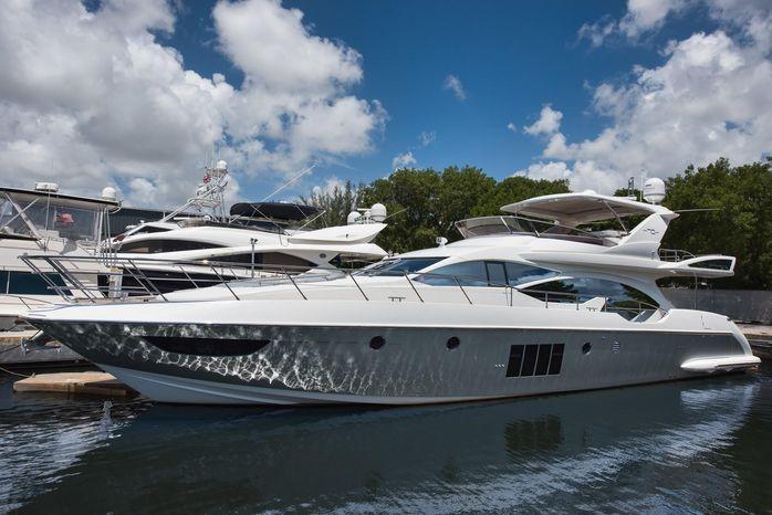 2014 Azimut 70 Flybridge Motor Yacht