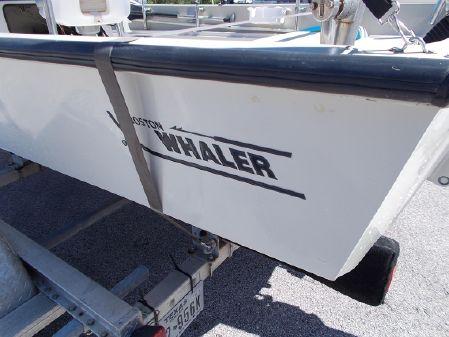 Boston Whaler Montauk 17 CC image
