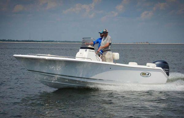 2019 Sea Hunt Triton 188