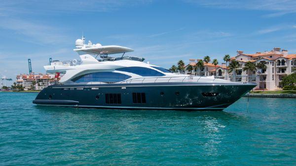 Azimut Motoryacht - US Spec