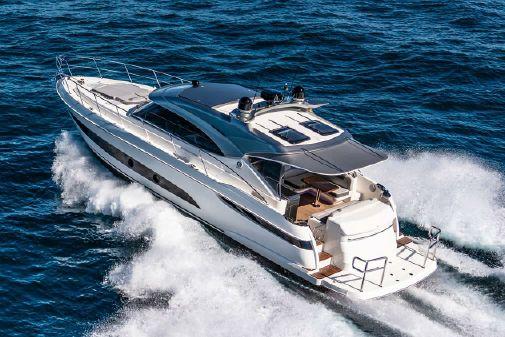 Riviera 4800 Sport Yacht image