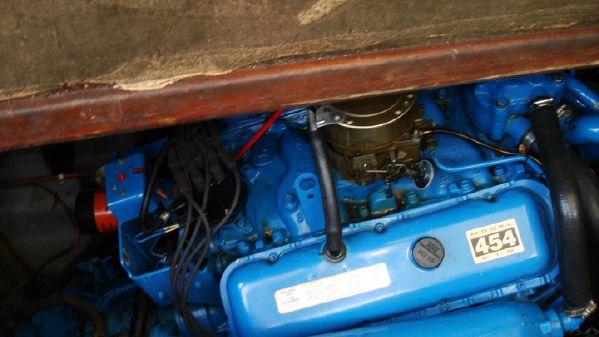Chris-Craft 35 Commander Sedan image