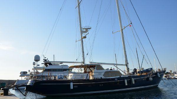 Thackwray Yachts - Ketch