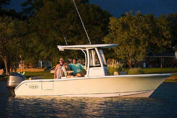Sea Hunt Ultra 235 SE - main image