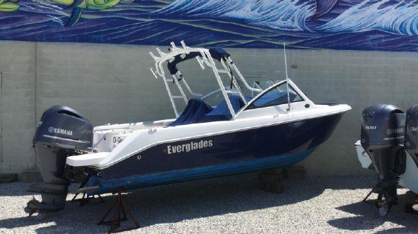 Everglades 230 Dual Console