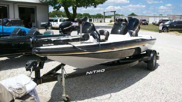Nitro 882 DC