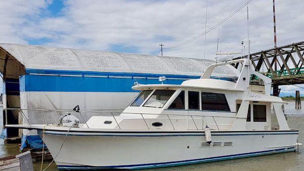 Custom Motor Yacht Pilot House
