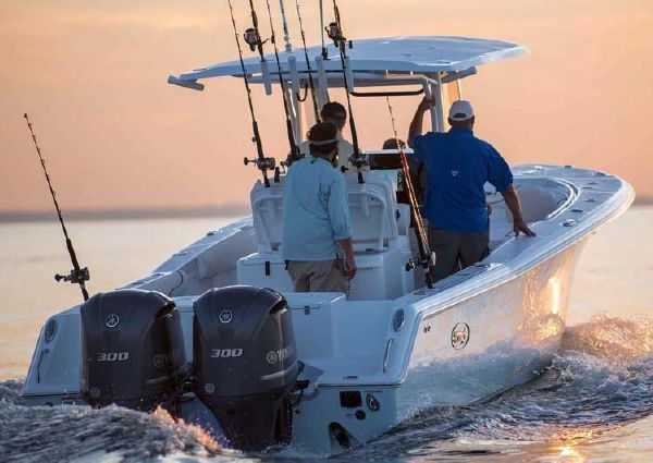 Sea Hunt Gamefish 30 With Forward Seating image