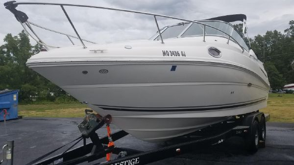 Sea Ray 240 Sundancer DA