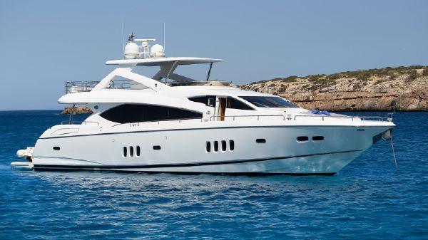 Sunseeker 86 Yacht