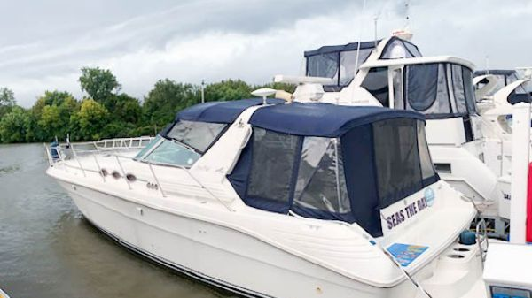 Sea Ray 40 Express Cruiser