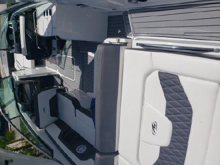 Monterey 305SS image