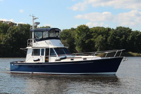 Legacy Yachts 40 Sedan - main image