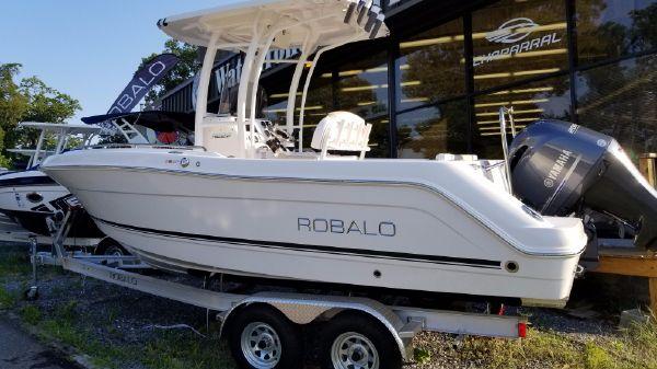 Robalo R222 EXPLORER