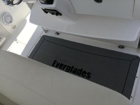 Everglades 355 Center Console image