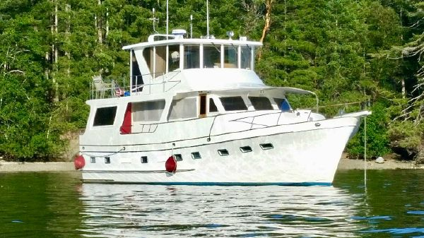 Angel 58 raised pilothouse