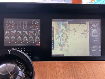 Angel 58 raised pilothouse image