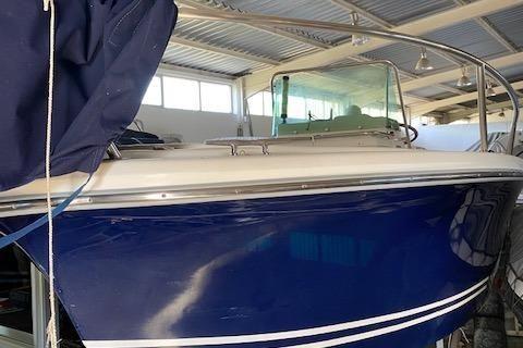 White Shark 205 image