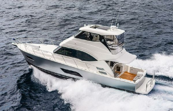 2021 Riviera 54 Enclosed Flybridge