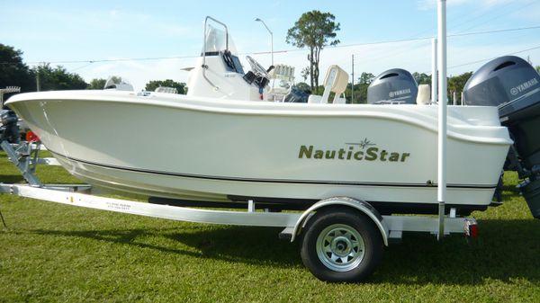 NauticStar 1900XS