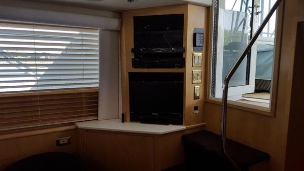 Hatteras 52 Sport Deck Motor Yacht image