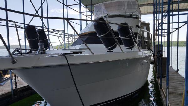 Hatteras 52 Sport Deck Motor Yacht