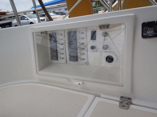 2004 Cabo Rico Aft Cockpit Purchase Brokerage