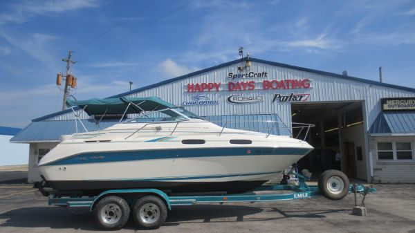 Sea Ray 230 SD