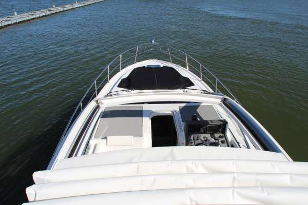 Cruisers Yachts 39 Express Coupe image