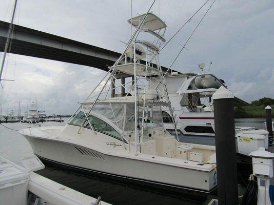Albemarle 410 Express Fisherman - main image
