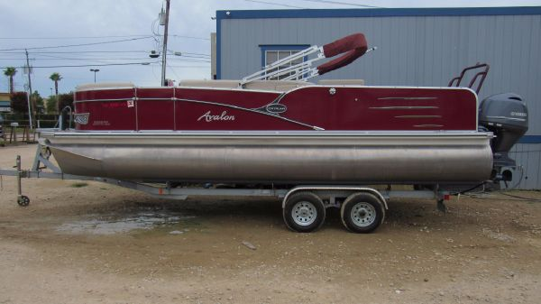 Avalon Catalina 2285 RF Saltwater Series