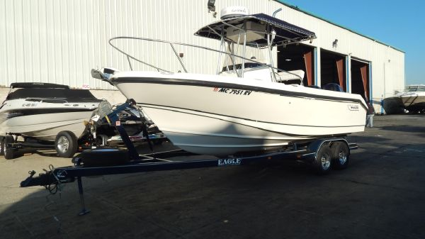 Boston Whaler 23 Outrage