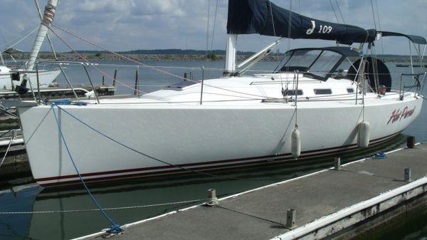 J Boats 109