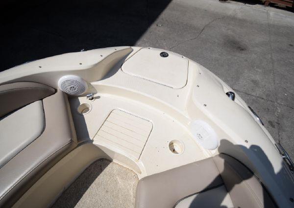 Sea Ray 270 Sundeck image
