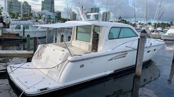 Tiara Yachts 5200 Sovran