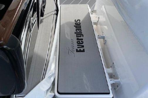Everglades 435 Center Console image