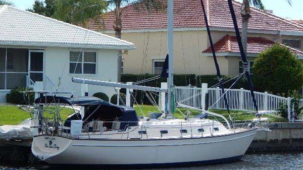 Island Packet 380 Un Sea Sing