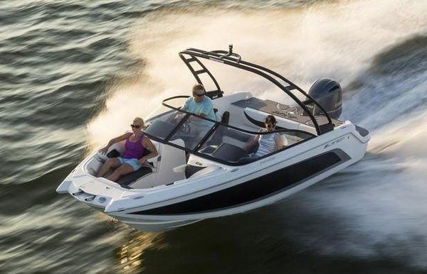 2019 Larson LXH 190 OB