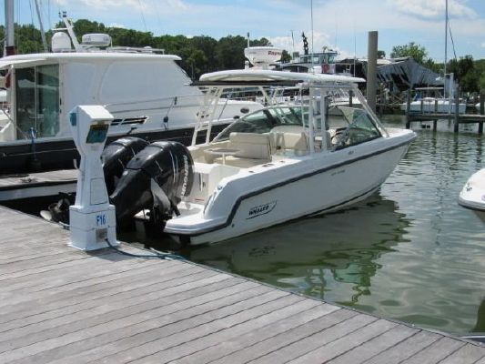 Boston Whaler 270 Vantage - main image