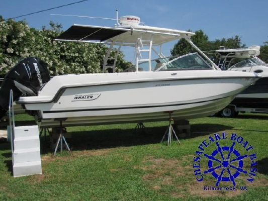 Boston Whaler 270 Vantage - main image