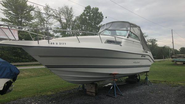 Cruisers Yachts Holiday 2570
