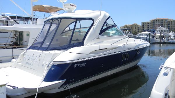 Cruisers 420 Express IPS Diesel Profile