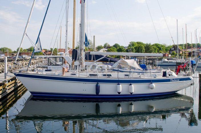 1997 Hallberg-Rassy 42F Falmouth, Cornwall - Transworld Yachts