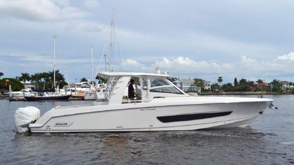 Boston Whaler 42 OUTRAGE Profile