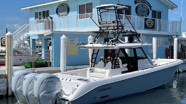 Everglades 395cc