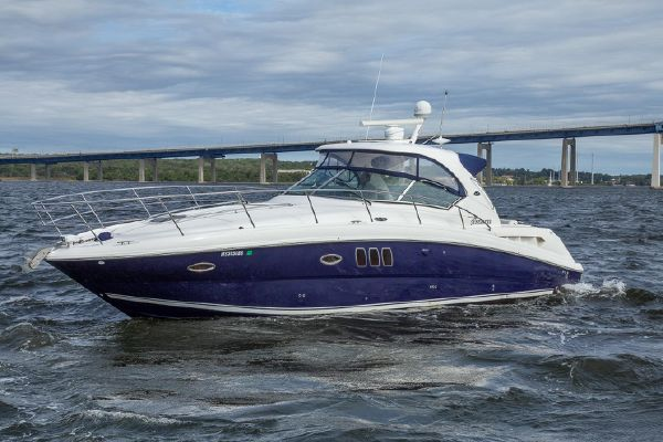 Sea Ray 38 Sundancer - main image